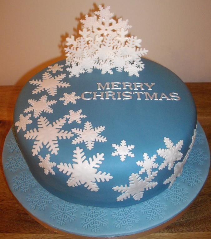 25 Easy Christmas Cake Decorating Ideas