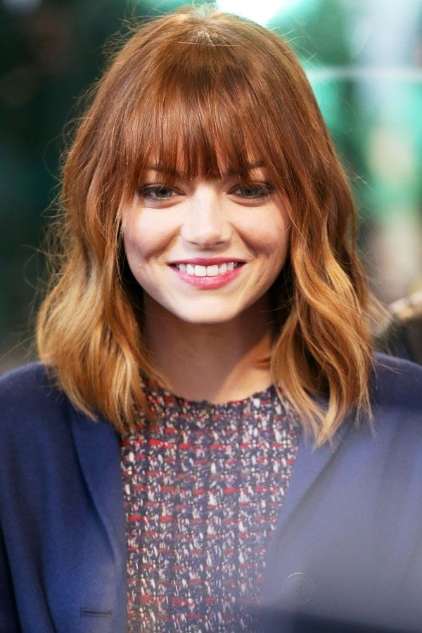 Emma-Stone-Medium-Hairstyle-with-Blunt-Bang