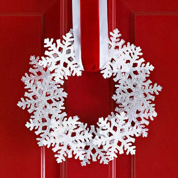 Glittery-Snowflake-Wreath