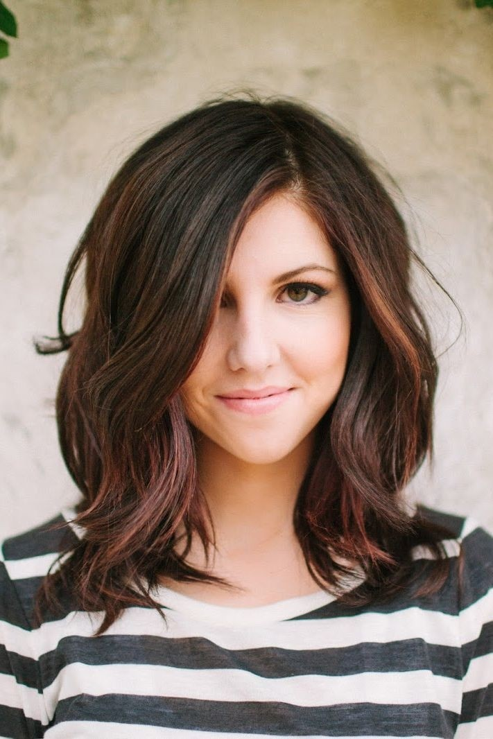Layered-Hair-Style-for-Wavy-Hair