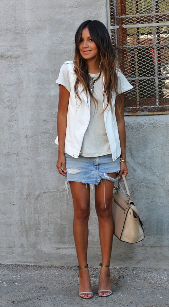 Mini Skirts Are In Style For Summer
