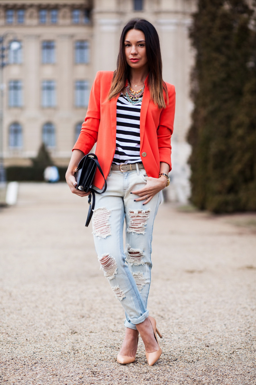 Ripped-Boyfriend-Jeans-For-Women-Street-Style