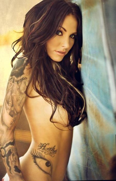 girls-with-tattoos-15