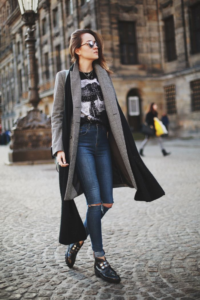 ripped-knee-jeans-street-style
