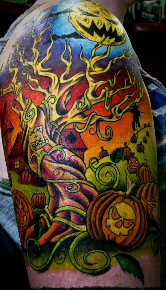 amazing-colored-halloween-tattoo-on-shoulder
