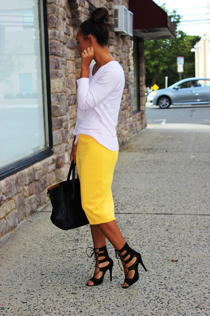 12-yellow colored outfit ideas for women