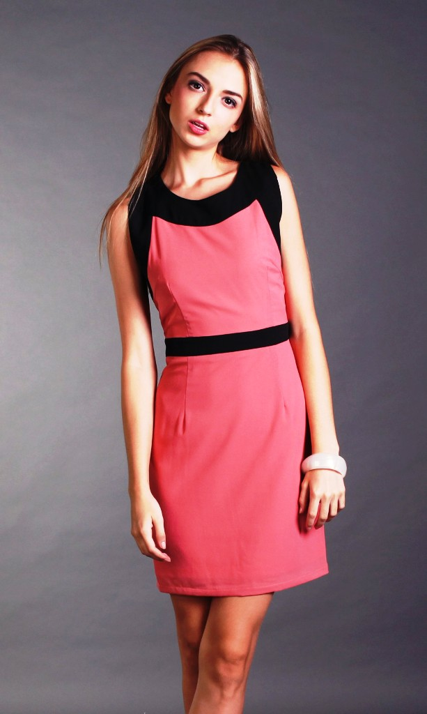 13-contrast color dress