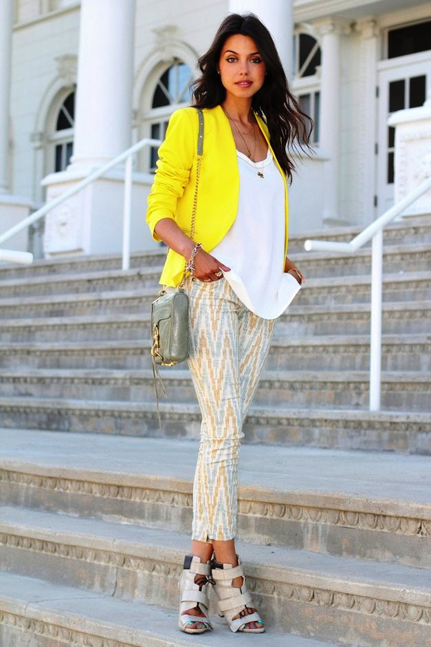 23-yellow colored outfit ideas for women