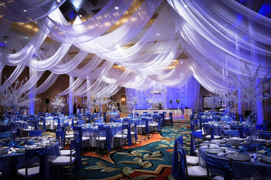 25 wedding hall decoration ideas to make wedding hall adorable for Decoration 4 wedding