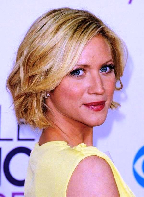 13-short-hairstyle-for-women