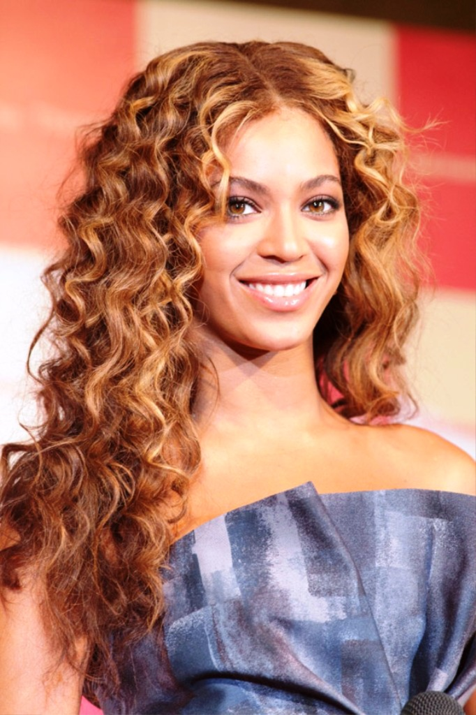 16-long-curly-hairstyles