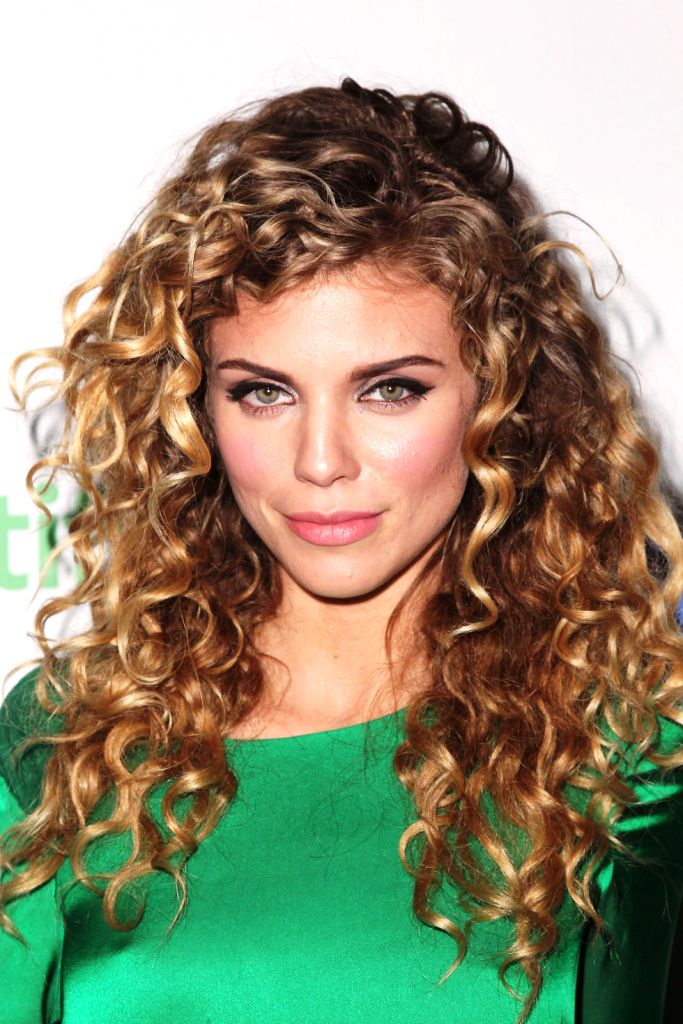 18-wavy-hairstyles-for-women