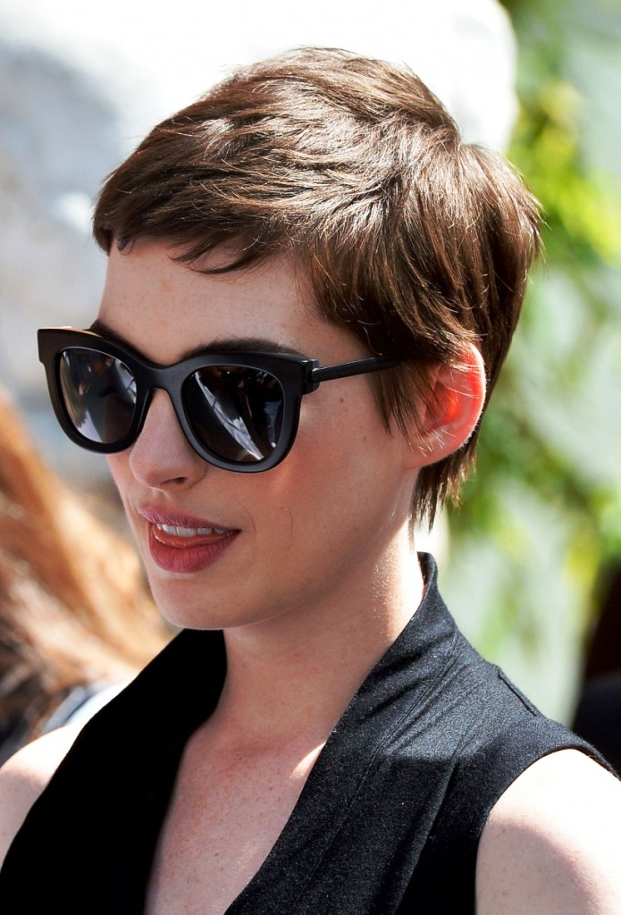 2-short-hairstyle-for-women