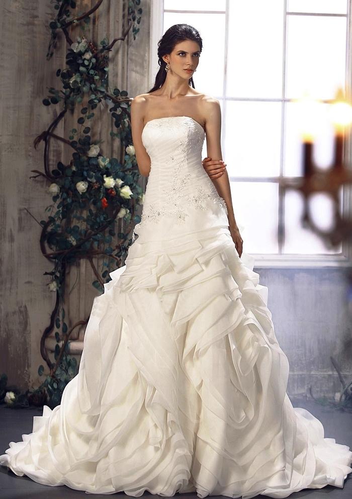 2 Stylish Wedding Dresses