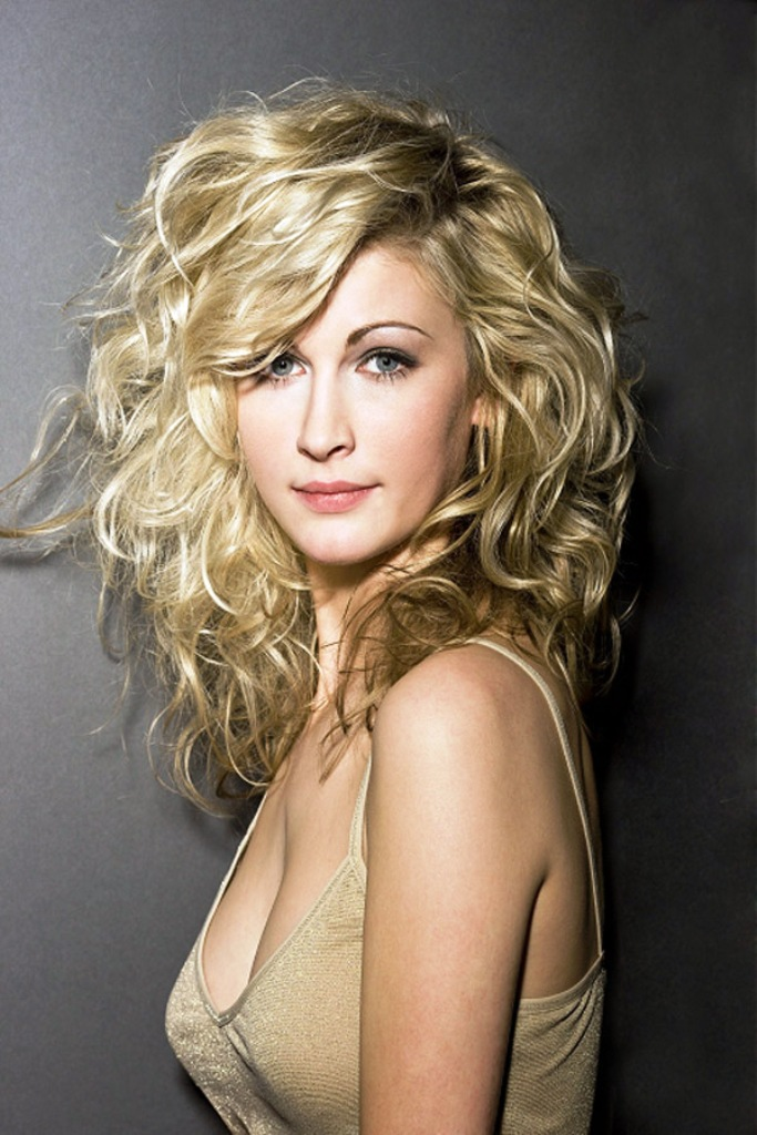 21-long-curly-hairstyles