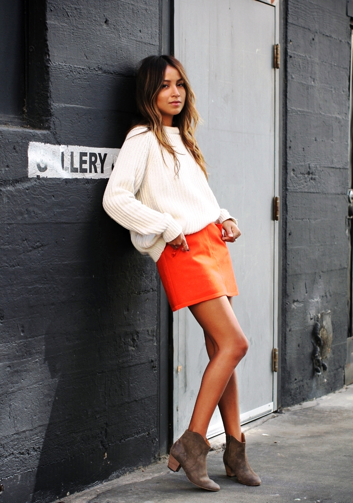 25 Orange Outfit Ideas For Women To Wear