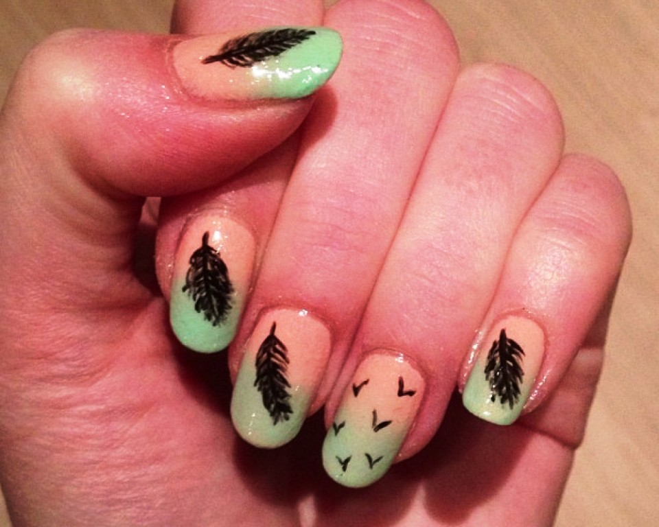 3-beautiful-feather-nail-art-designs
