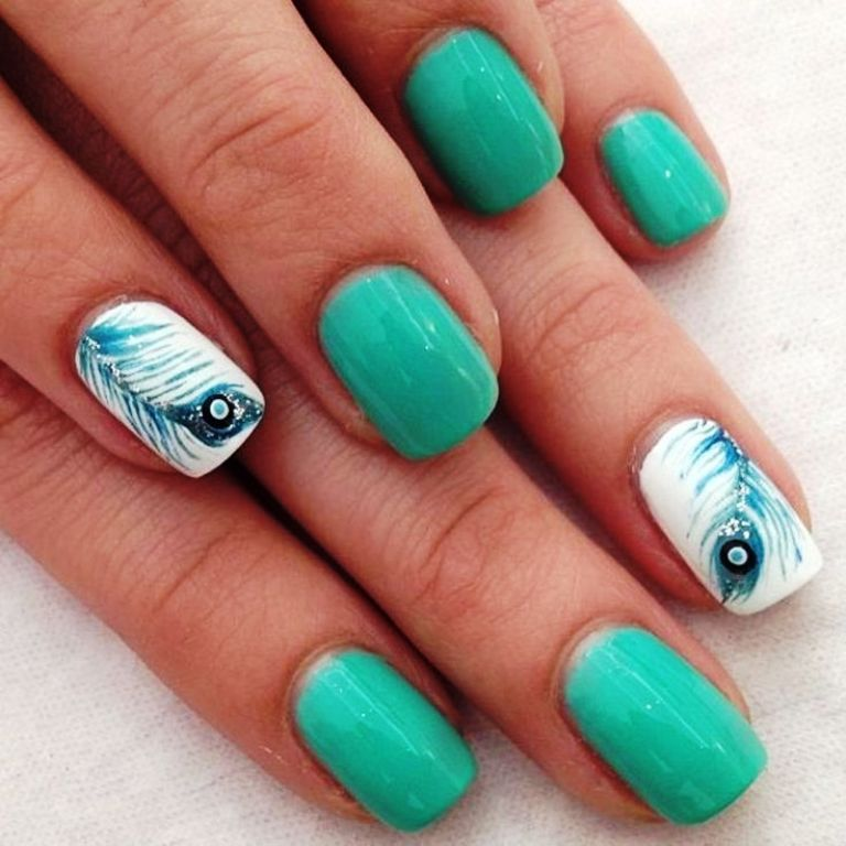 4-beautiful-feather-nail-art-designs