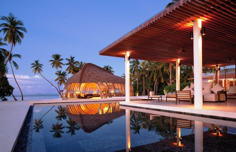 10 Best Luxury Resorts In Maldives You Must Go