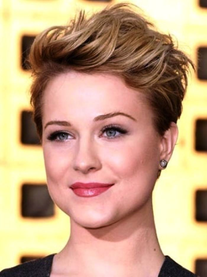 4-short-hairstyle-for-women