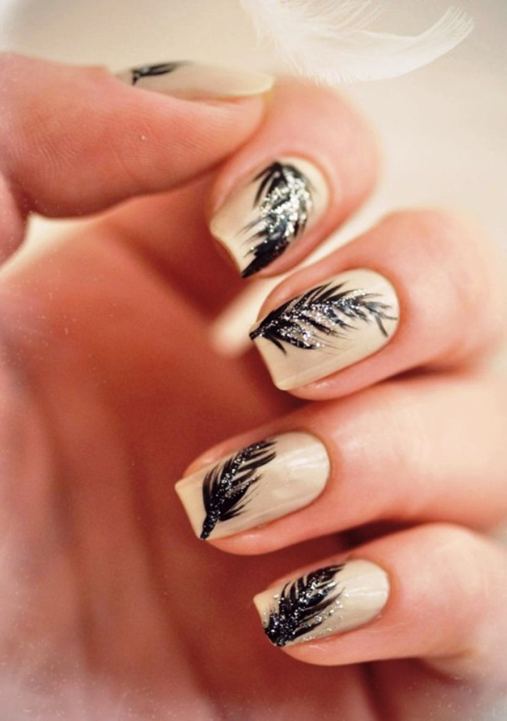 5-beautiful-feather-nail-art-designs