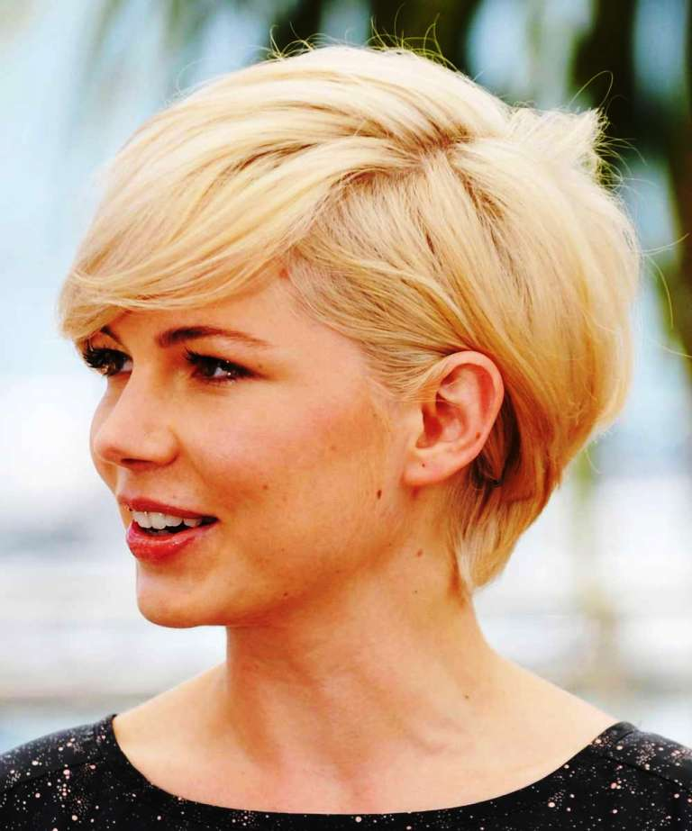 7-short-hairstyle-for-women