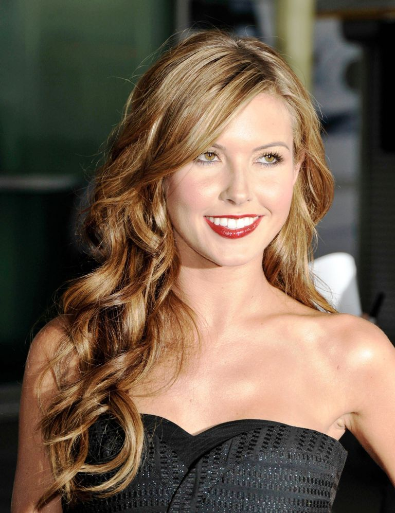 8-wavy-hairstyles-for-women