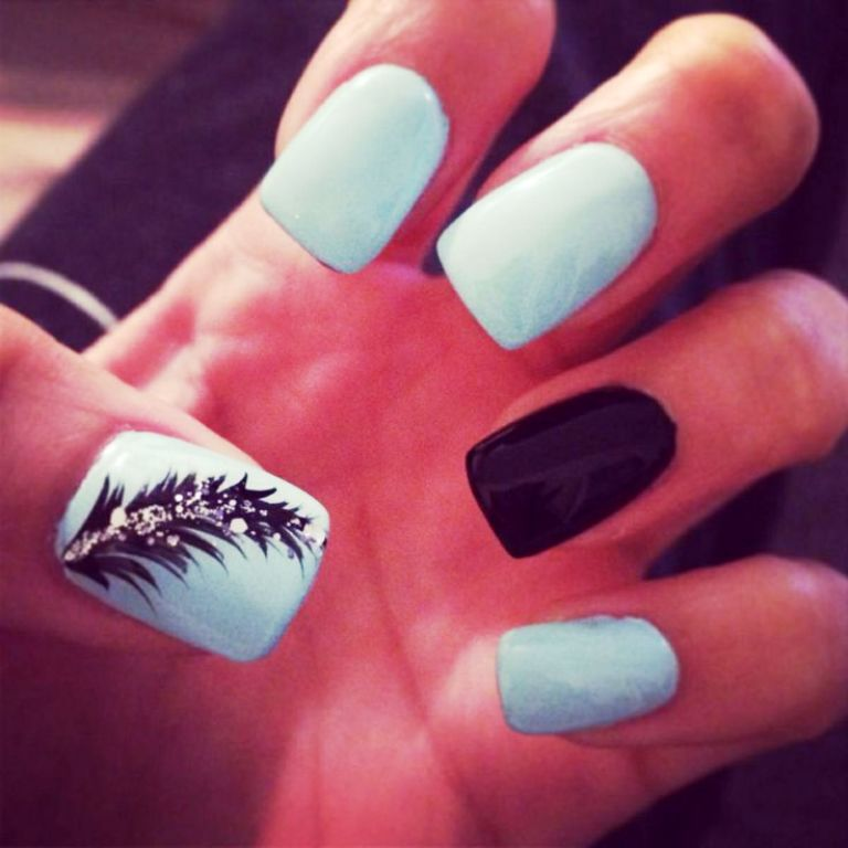 9-beautiful-feather-nail-art-designs
