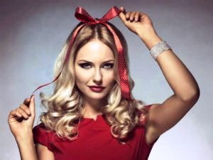 20 Perfect Christmas Hairstyle Ideas For You