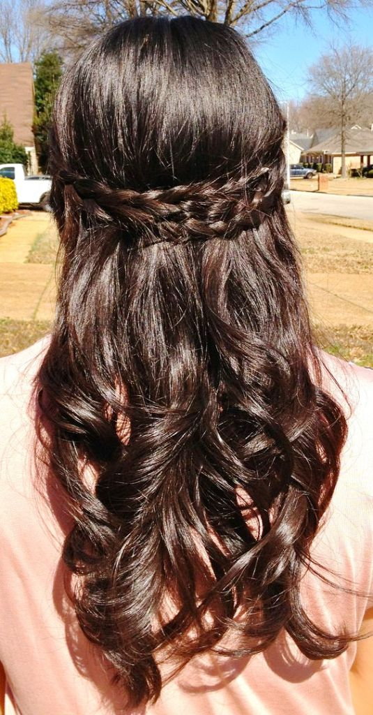 10-elegant-half-up-half-down-curly-hairstyles
