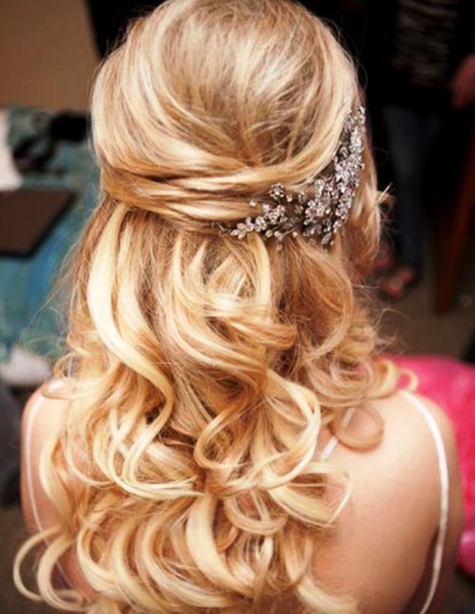 11-elegant-half-up-half-down-curly-hairstyles
