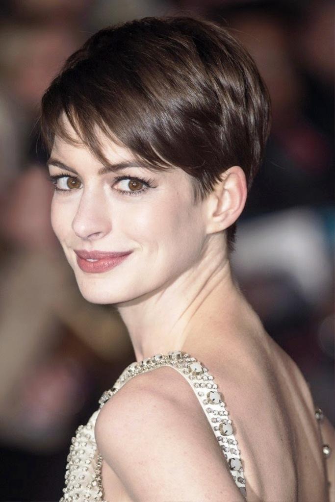 11-short-layered-hairstyles