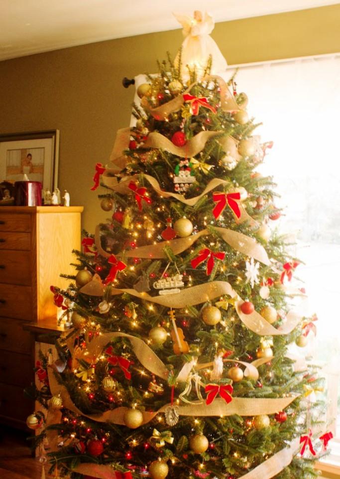 14-charming-christmas-tree-decorating-ideas