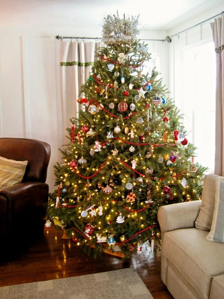 17-charming-christmas-tree-decorating-ideas