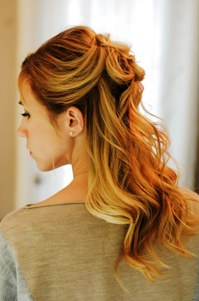20 Elegant Half Up Half Down Curly Hairstyles Ideas · Inspired Luv