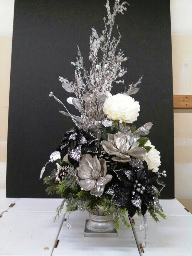 15 Flower Arrangement Ideas for Christmas Inspired Luv