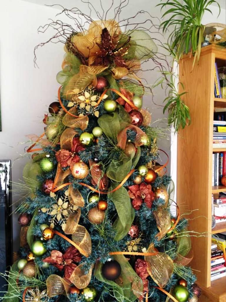 6-charming-christmas-tree-decorating-ideas