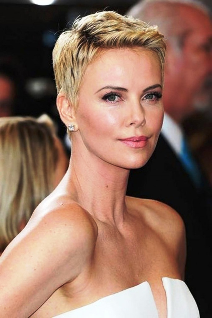 7-chicest-short-hairstyles-for-girls