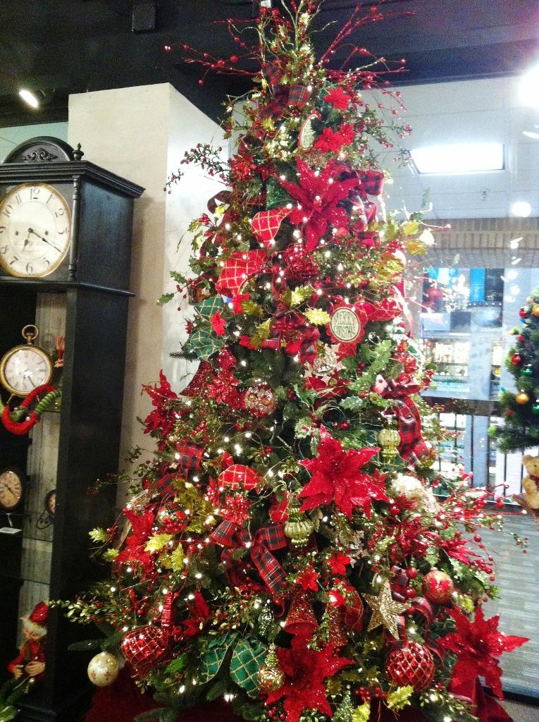 9-charming-christmas-tree-decorating-ideas