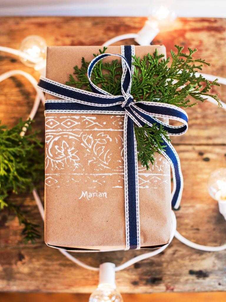 christmas-stamped-paper-beauty-birds-eye-vert