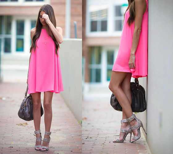 neon-outfit-ideas-11