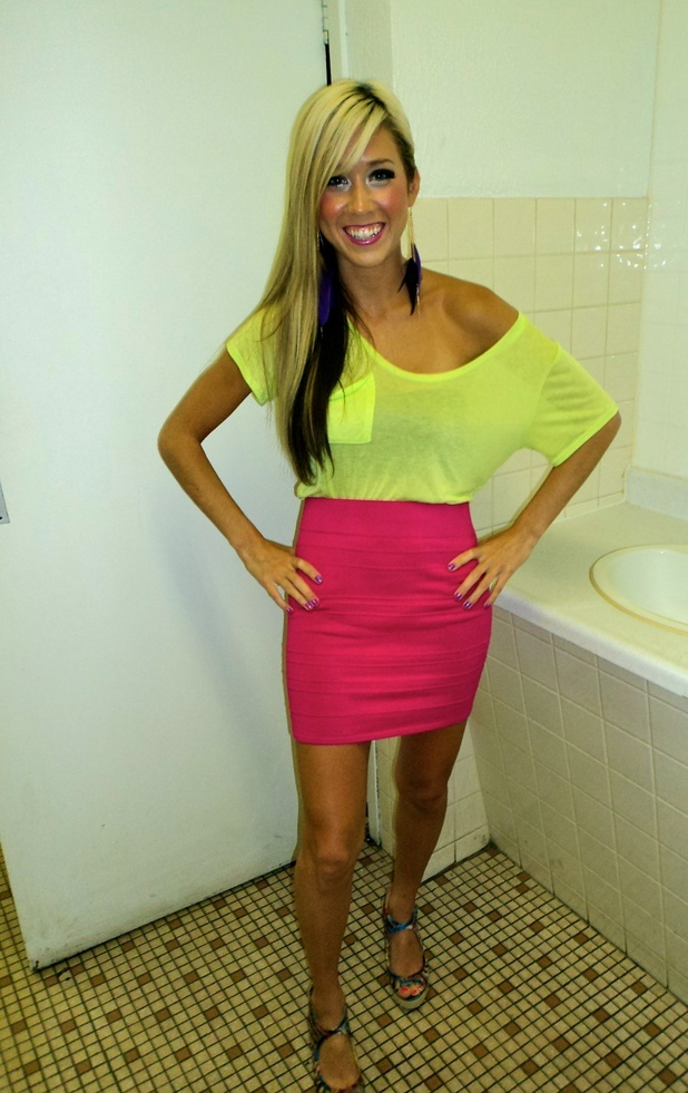 neon-outfit-ideas-21