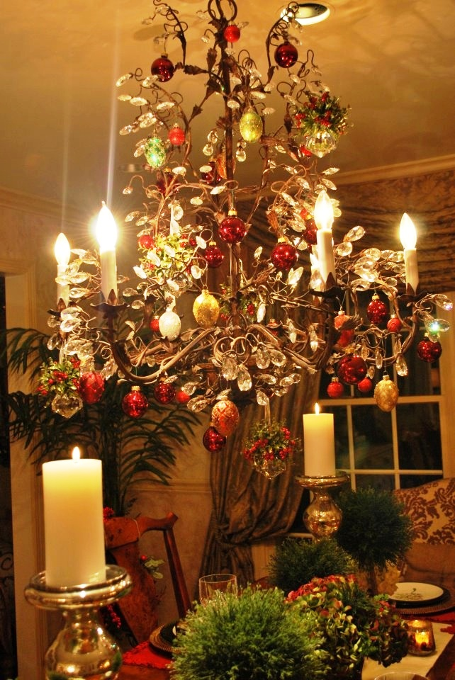 20 Christmas Chandelier Decorating Ideas To Try 183 Inspired Luv