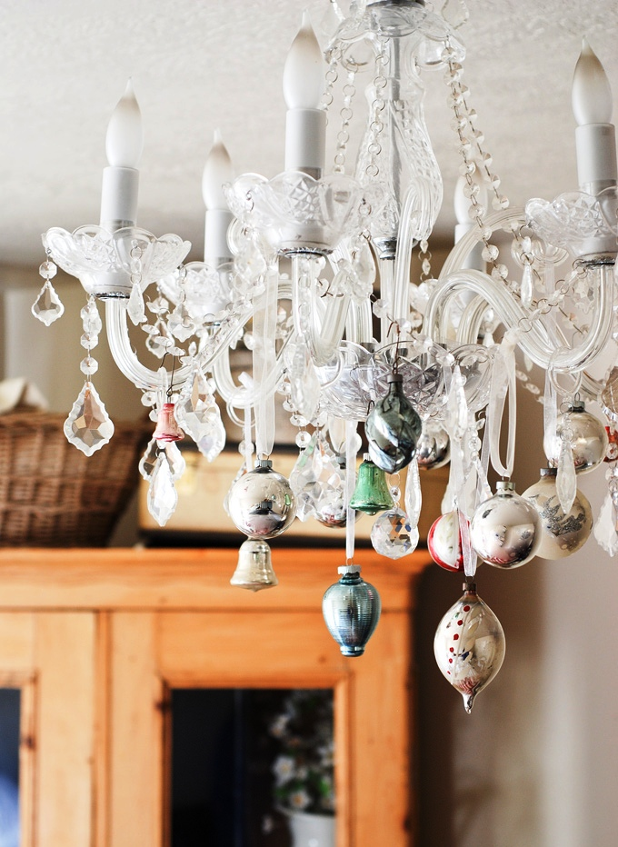 simple-christmas-chandelier-ideas
