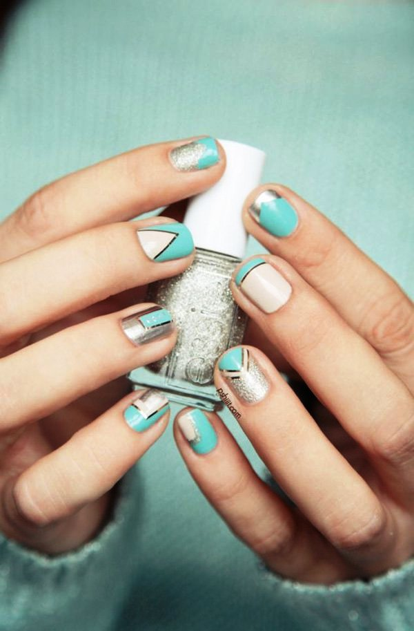 blue-and-white-metallic-nails