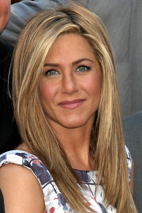 celebrity-hairstyles-long-blonde-straight-hairstyles