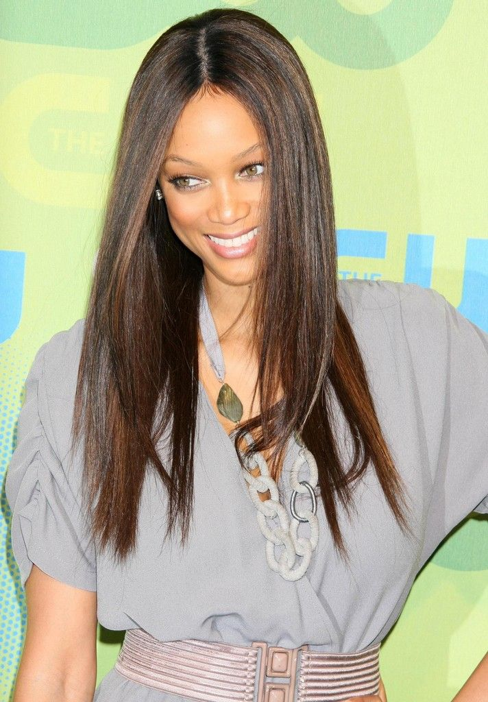 celebrity-inspired-long-straight-hair-with-side-swept-bangs