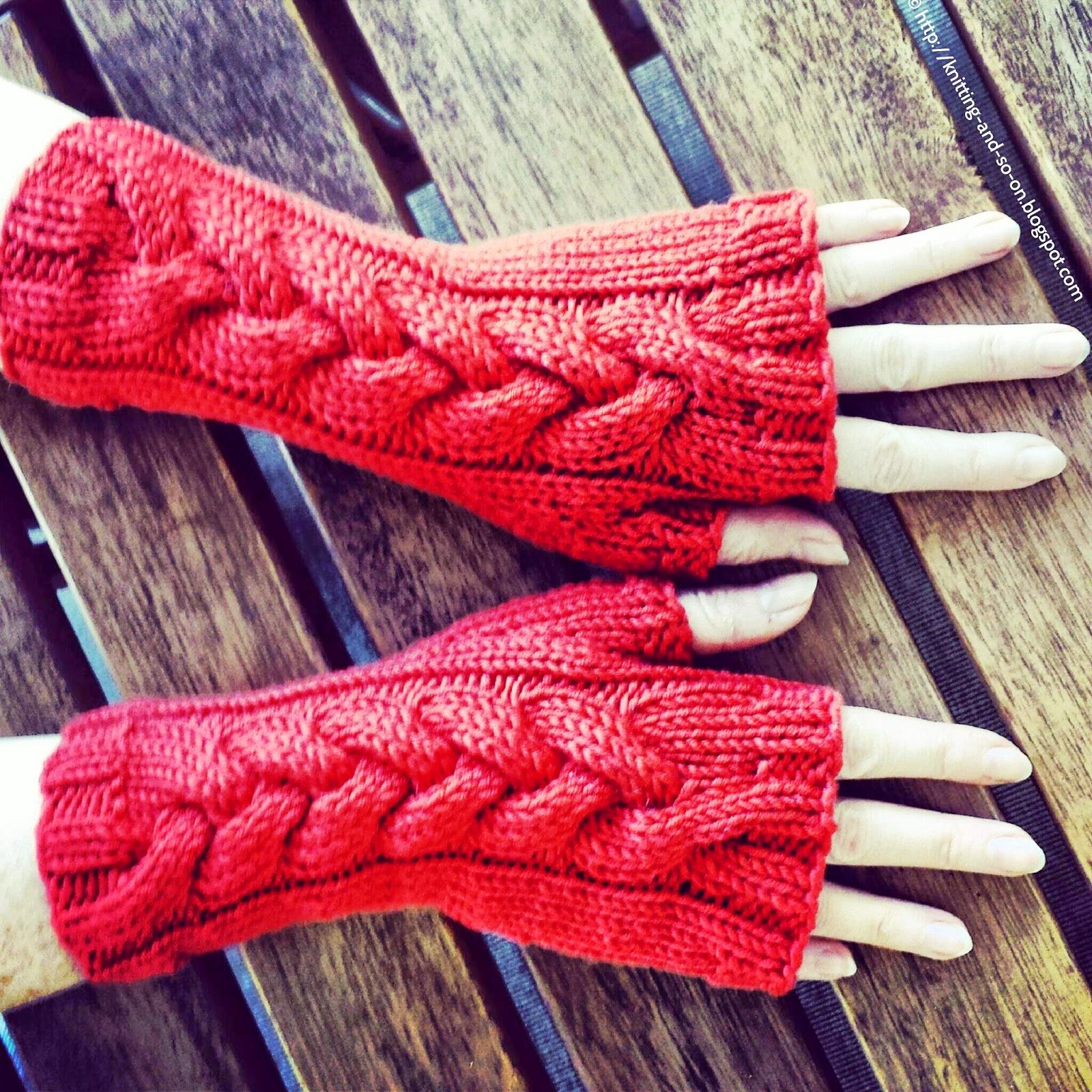 cute-fingerless-gloves