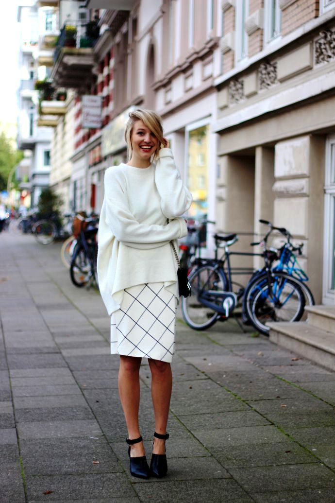 checkered-skirt-with-oversized-sweater