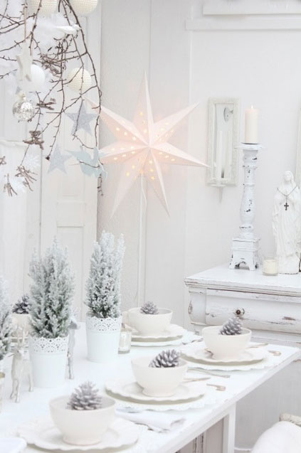 all white christmas decoration